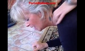 Granny blonde hawt - vecchia bionda molto troia succhia cazzo