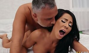 Brazzers hottie with fake boobs pleasuring Keiran in bed