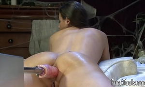 Busty non-professional screwed by vibrator machine